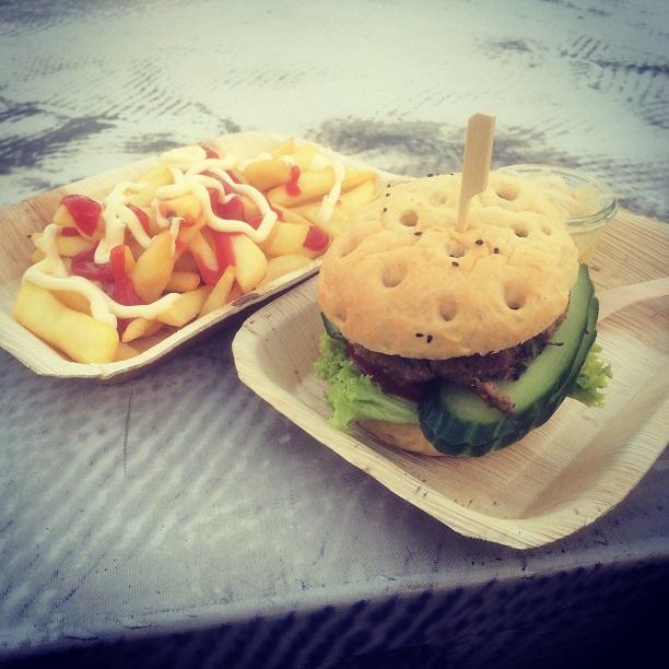 IMA Burger mit Fries
