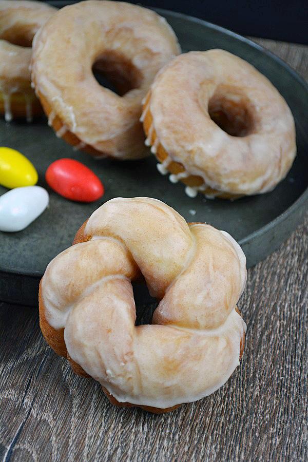 Osterkranz Donut 1-2