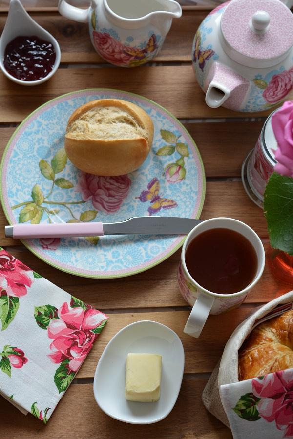 Frühstück im Bett Rose Cottage 3