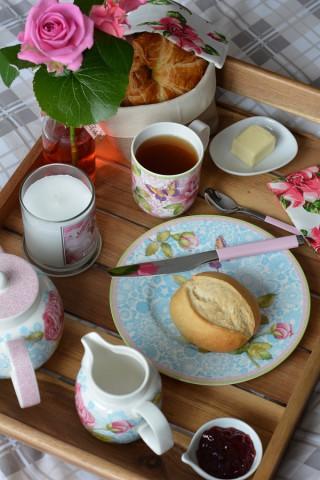 Frühstück im Bett Rose Cottage 9
