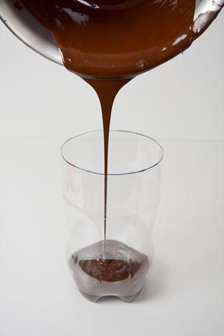 13 - dunkle Schokolade einfuellen Rumpf