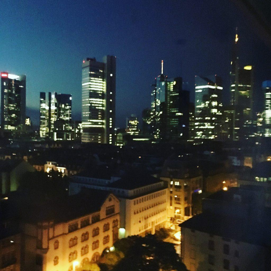 frankfurt-skyline-sky-deluxe-wyndham-grand-frankfurt