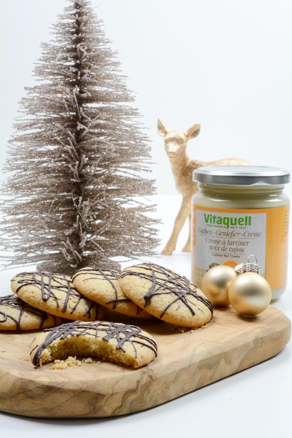 cashew-creme-cookies-2