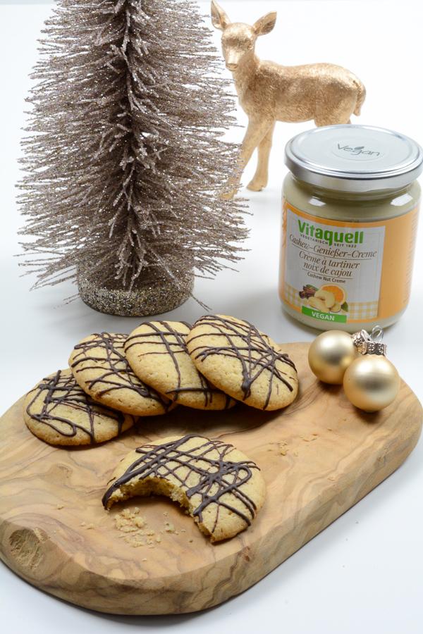 cashew-creme-cookies