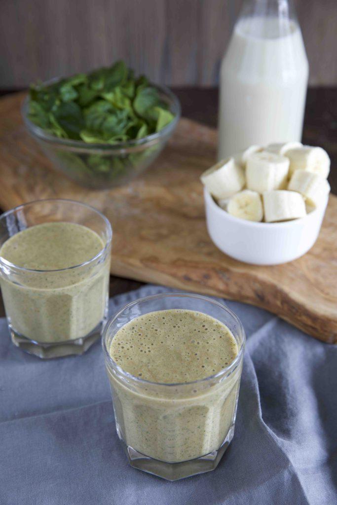 grüner smoothie mit kaffee der energie boost für den