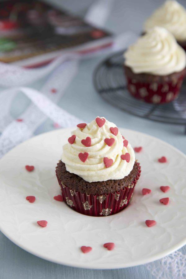 Espresso Cupcakes mit Anis Frosting zum Valentinstag