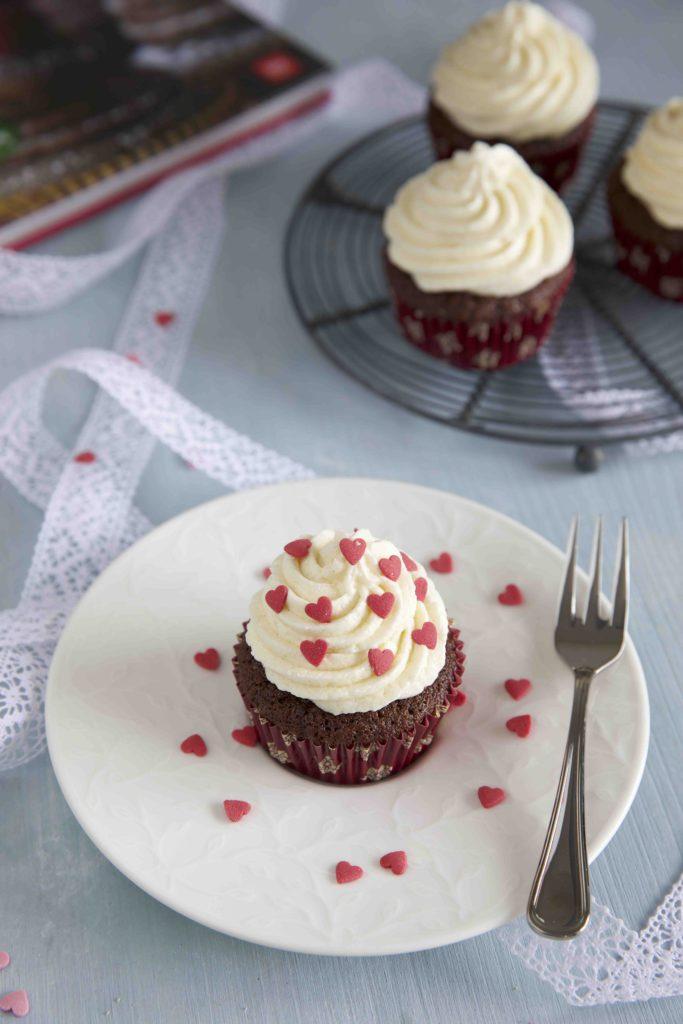Espresso Cupcakes mit Anis Frosting auf Cafè Club Floral Touch von Villeroy & Boch